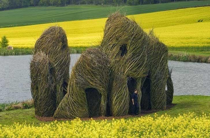 Esplendorosas esculturas creadas con  árboles 7