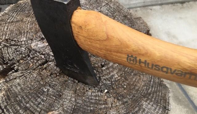 【ハスクバーナの手斧】~薪作業とキャンプの名わき役~