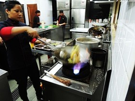 09.Chef Kalden in Action