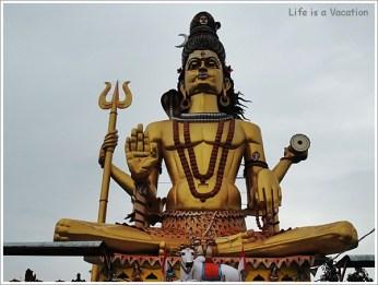 Omkareshwar Parikrama -90 ft Shiva