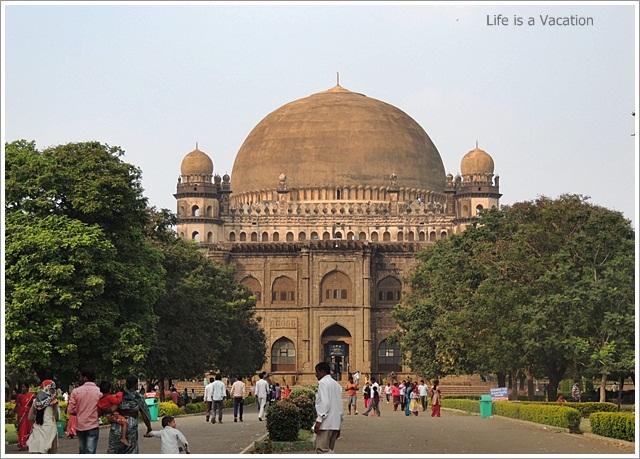 One Day Sightseeing Trip to Bijapur, Karnataka