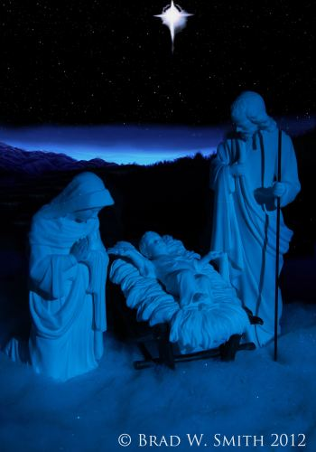Making Peach on Earth, LifeIsHOTBlog, Brad W. Smith, photographer, Alabaster figures of Joseph, Mary and Jesus