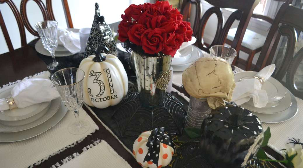 haunted-halloween-table-scape