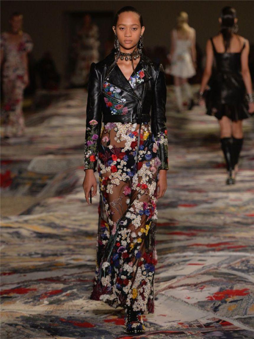 alexander-mcqueen-spring-summer-2017-womenswear-runway-show23