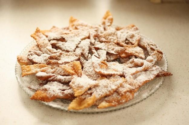 Chiacchiere di Carnevale fritte: la ricetta per farle in casa