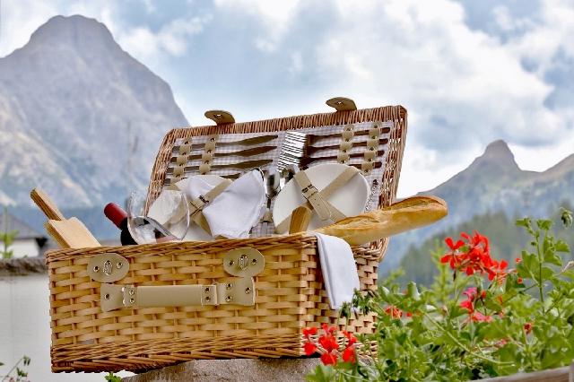 Dolomitica-pic-nic-in-Alta-Badia