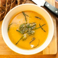 recipe // butternut squash soup with pumpkin seed-mint pesto