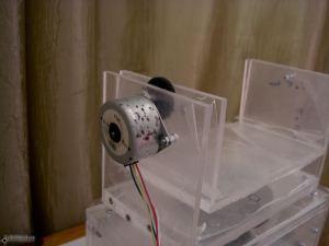 В качестве двигателей для Гигапана (Gigapan) взяты шагоые моторчики из принтера.