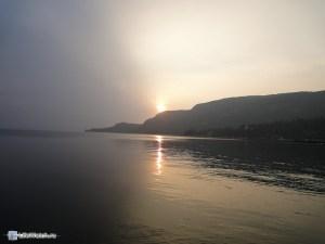 А вот закаты к сожалению не видно...т.к. мешает гора