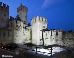 Стены замка Сирмионе (Sirmione)