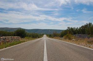 Дорога на западе острова Брач
