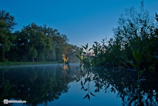 Ночная дымка над озером