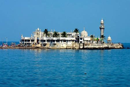 masjid ali dargah mumbai india