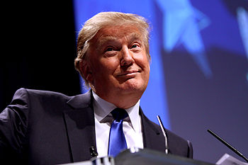 English: Donald Trump speaking at CPAC 2011 in...