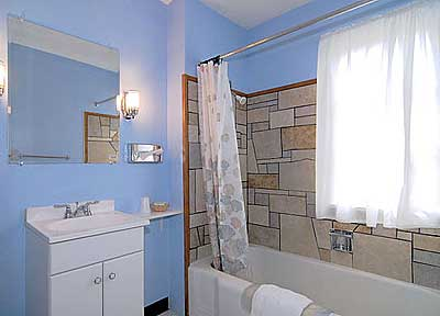 our-rooms-bathroom1