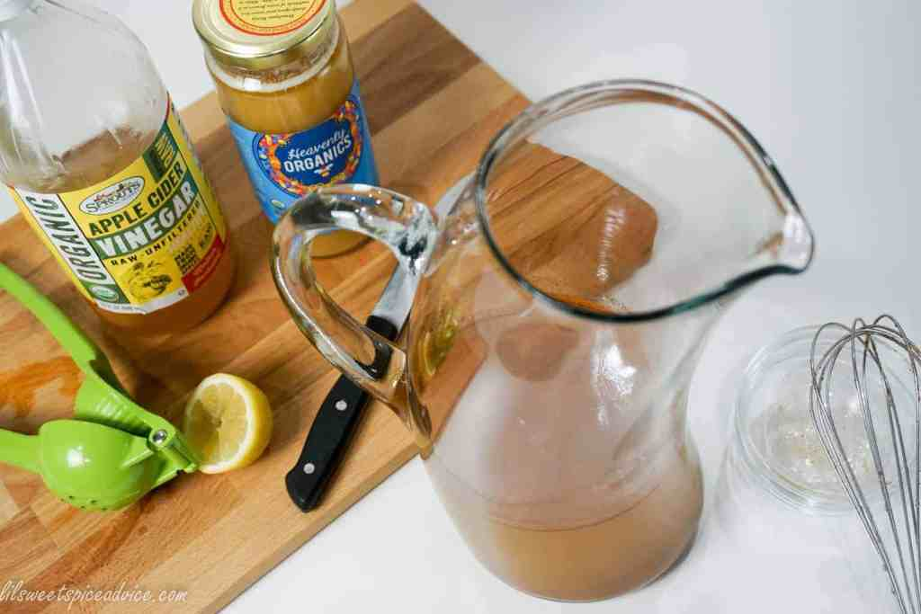 Apple Cider Vinegar Detox Tea -- This is the type of detox cleanse that you should be drinking EVERYDAY! -- lilsweetspiceadvice.com