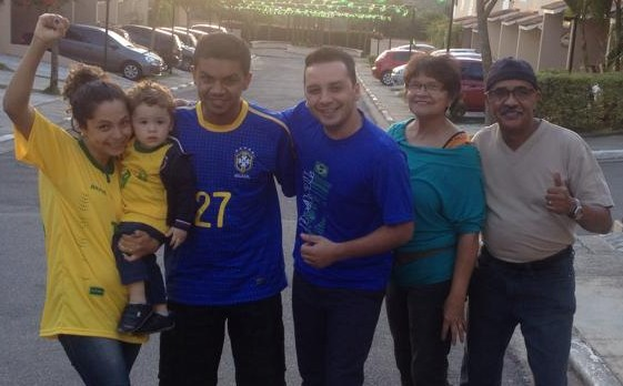 Helio, Carlos, Regiane and Family