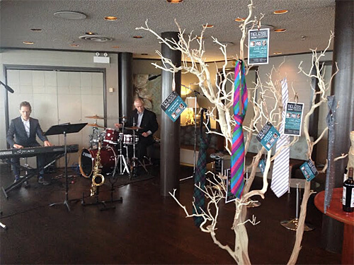 Tieless Tuesdays! Live jazz fun at La Ronde.