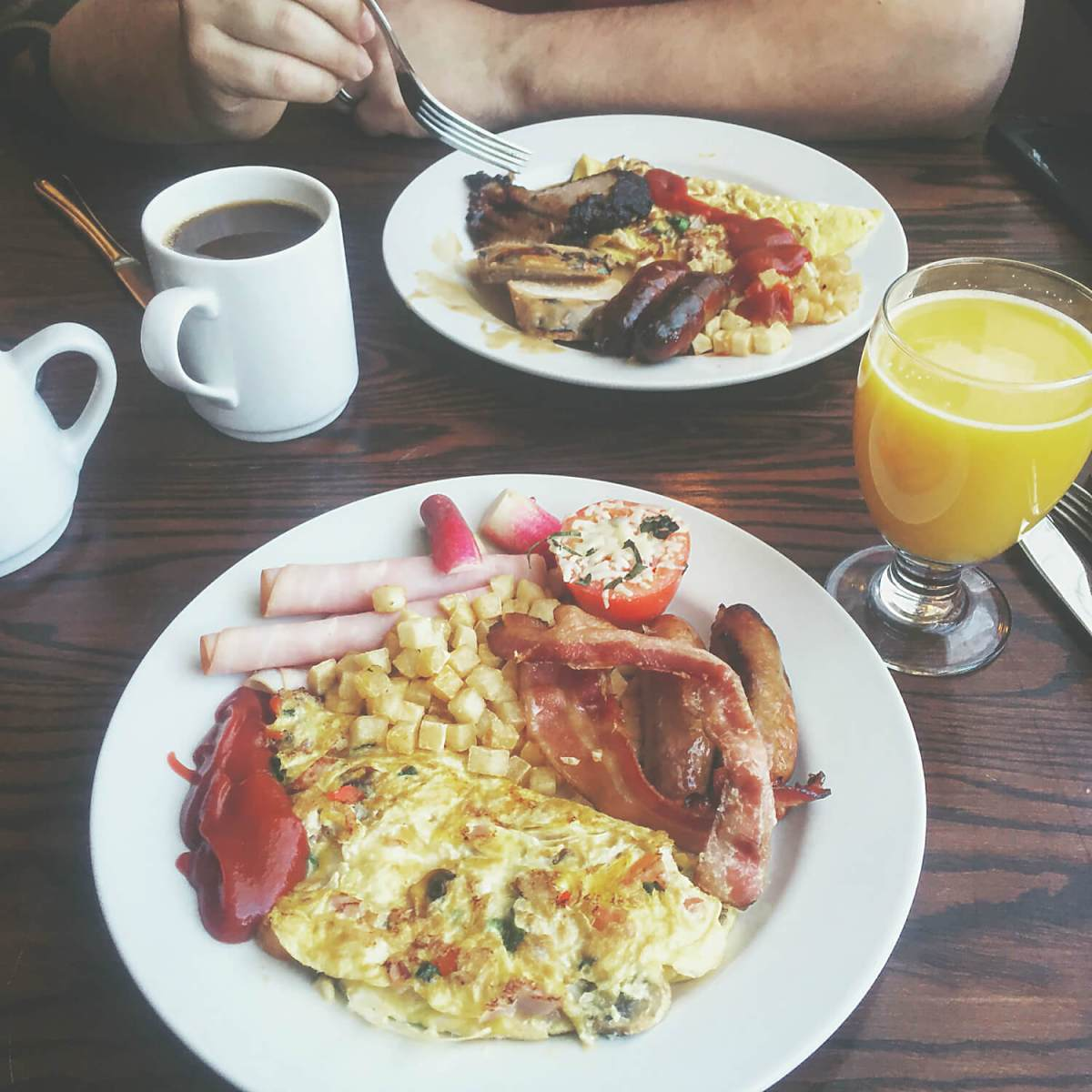 Review + Giveaway: Brunch at Hotel Selkirk (Fort Edmonton Park)
