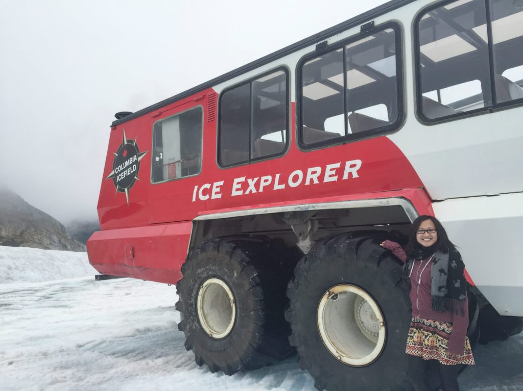 Travel Jasper - Explore Alberta - Canadian Rockies - Columbia Icefield Athabasca Glacier