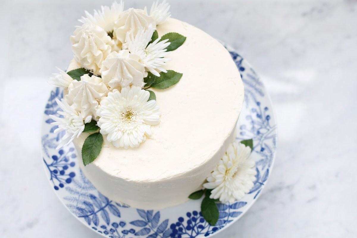 Vanillu terta með silkimjúku vanillu smjörkremi