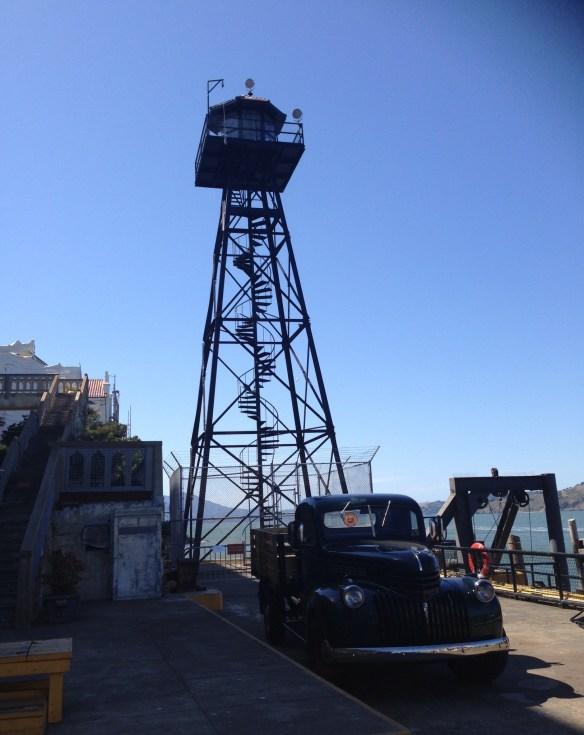 Lastebil og vakttårn Alcatraz