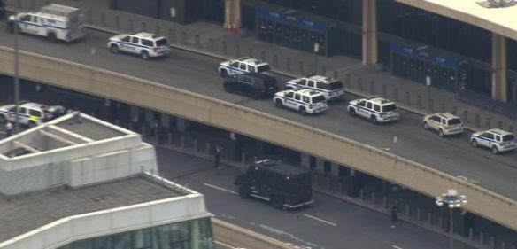 newark airport new york evakuering bombetrussel
