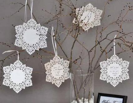 Bordkort snøflak hvit navnelapp dekor jul