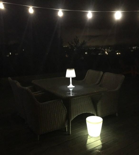 Samlebilde LED krukke medium, lyslenke og solcellelampe hvit