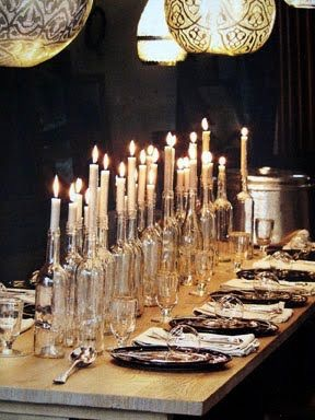 borddekking flasker stearinlys