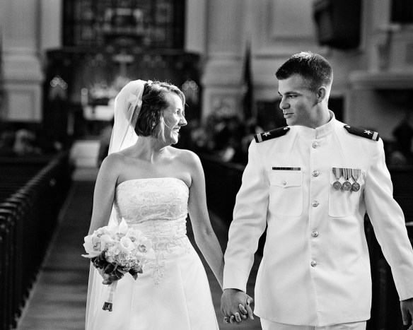 brudepar hvit uniform