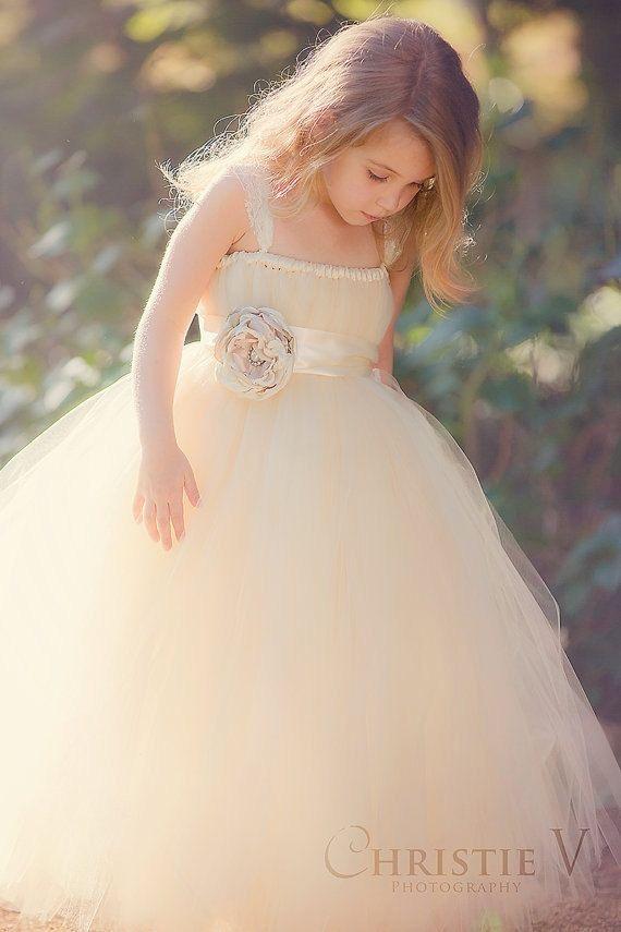 brudepike hvit kjole