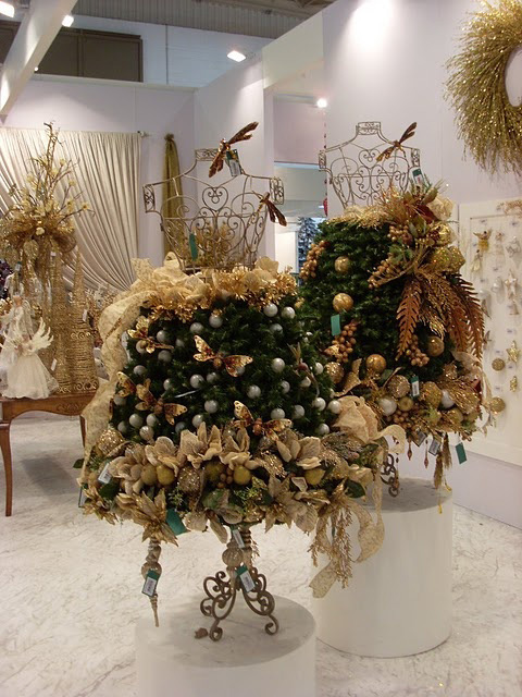 julekjole-granbar-og-gull