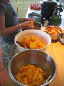 making peach jam