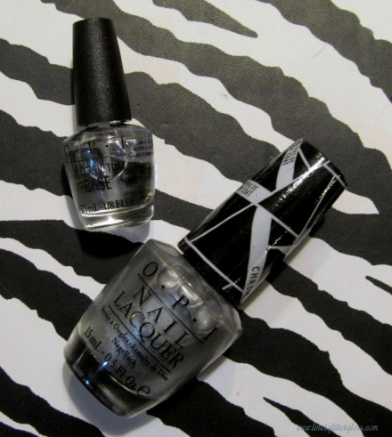 OPI Push and Shove, OPI Push and Shove swatch, OPI Lay Down The BAse, OPI Gwen Stefani, OPI Gwen Stefani swatch, chrome nails, chrome nail polish, OPI chrome