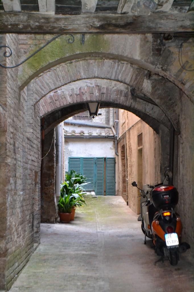 Travel Guide: Lisa eats Siena