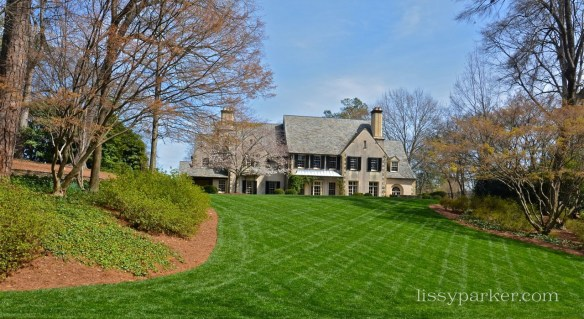 Beautiful sweeping front garden—Spring is on the way in Atlanta