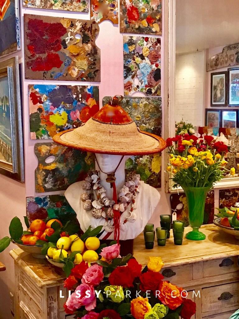 Flowers and straw hats in La La land