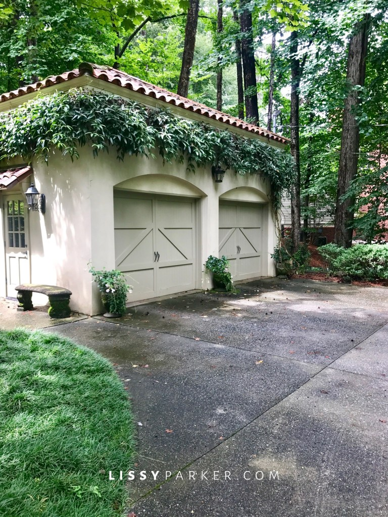 stucco and tile garage