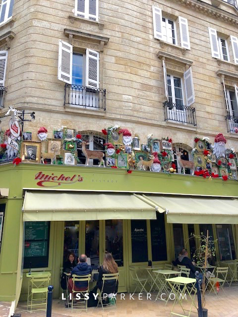 French sidewalk cafe
