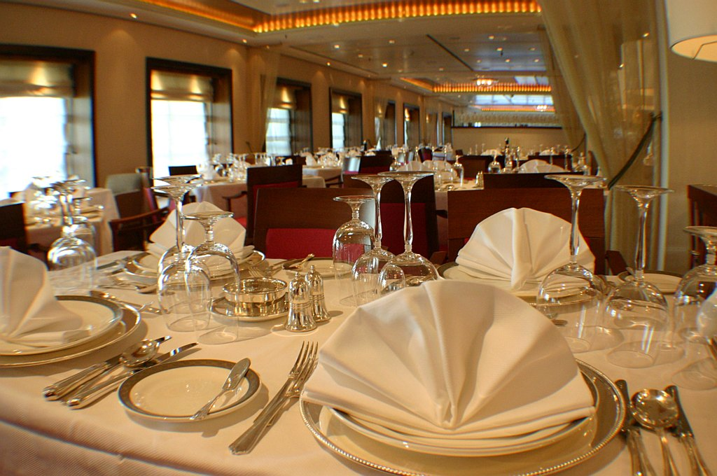 Top rules for fine dining listverse