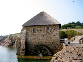 400Px-Tidal Mill Brehat France