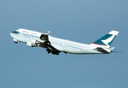 800Px-Cathay.Pacific.B747-400.B-Hkf.Arp