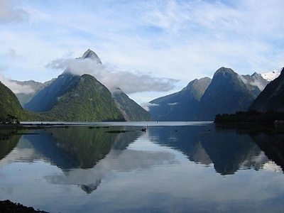 1669-Milford-Sound
