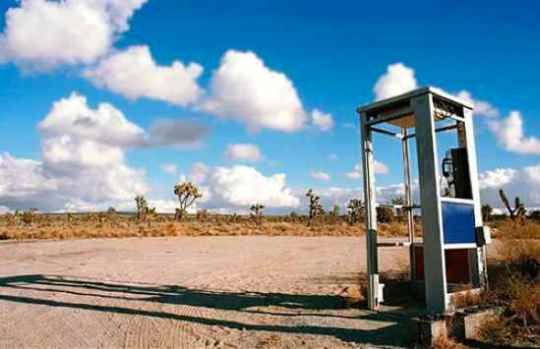 Mojave-Phone-Booth-2
