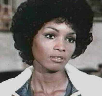 Teresa Graves 4
