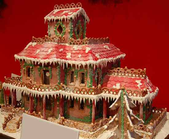 Ginger-Bread-House-6