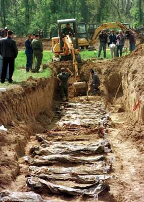 Mass-Grave-Vukovar-1991-Unearthed-1998