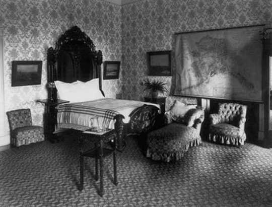 Master-Bedroom-1917
