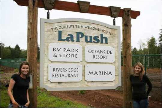Forks-La-Push-Sign